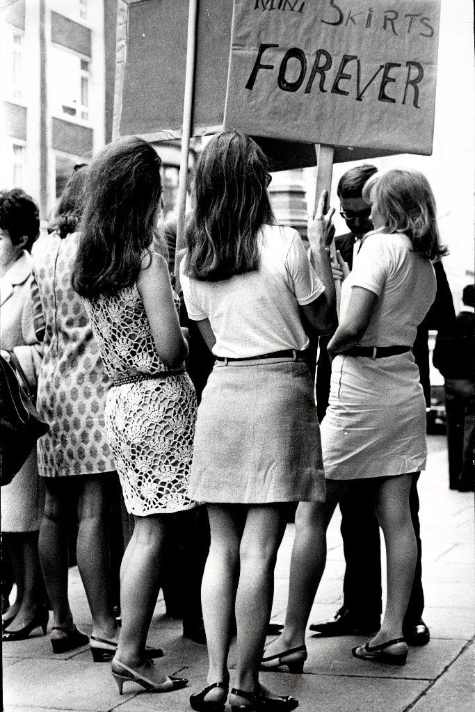 miniskirt protest dior paris 1966