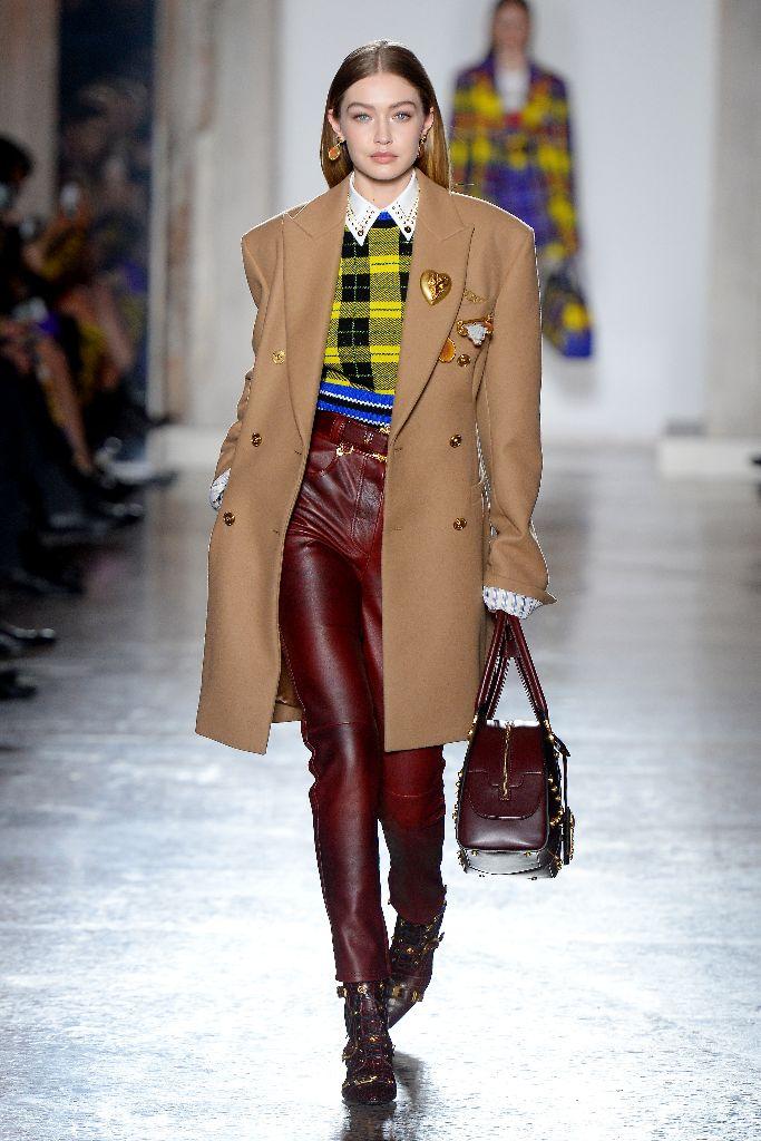 Versace fall 2018 gigi hadid
