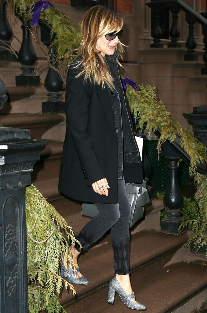 Sarah Jessica Parker strolls around the Big Apple in sparkly heels.