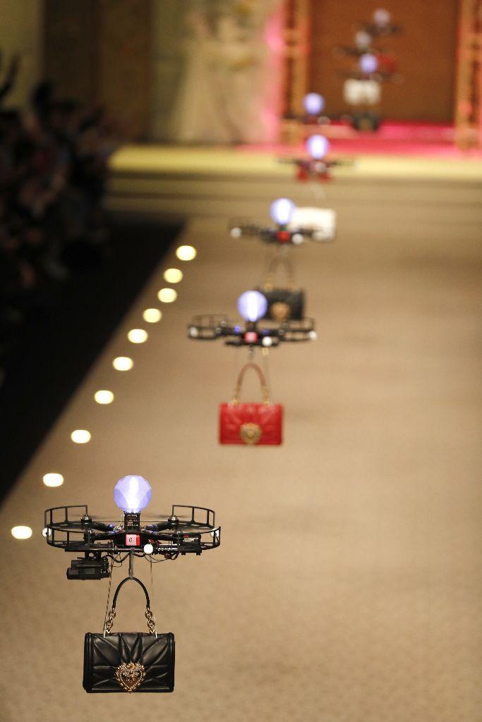 Dolce Gabbana fall 2018 handbag drones