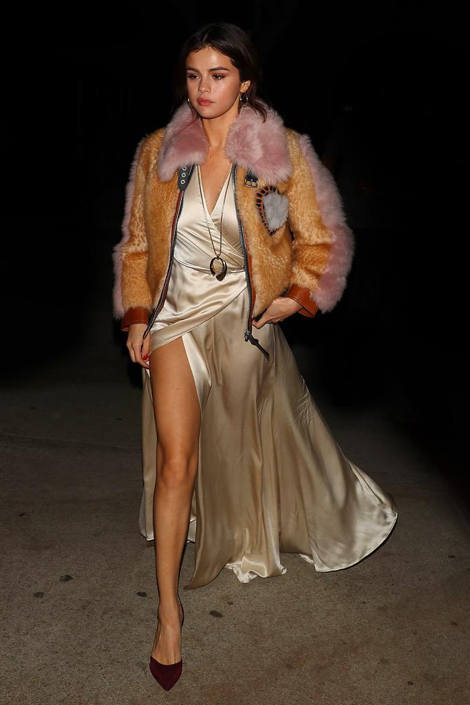 Selena Gomez, legs, dress, fur coat, pumps