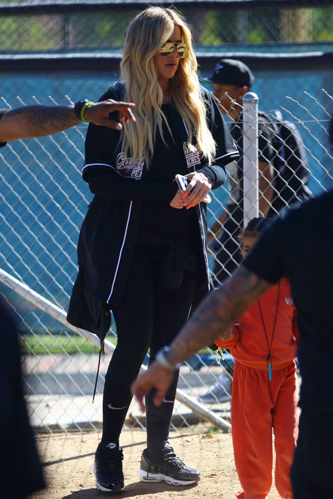 khloe kardashian, softball