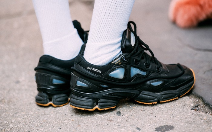 new york fashion week, spring 2018, street style, raf simons sneakers