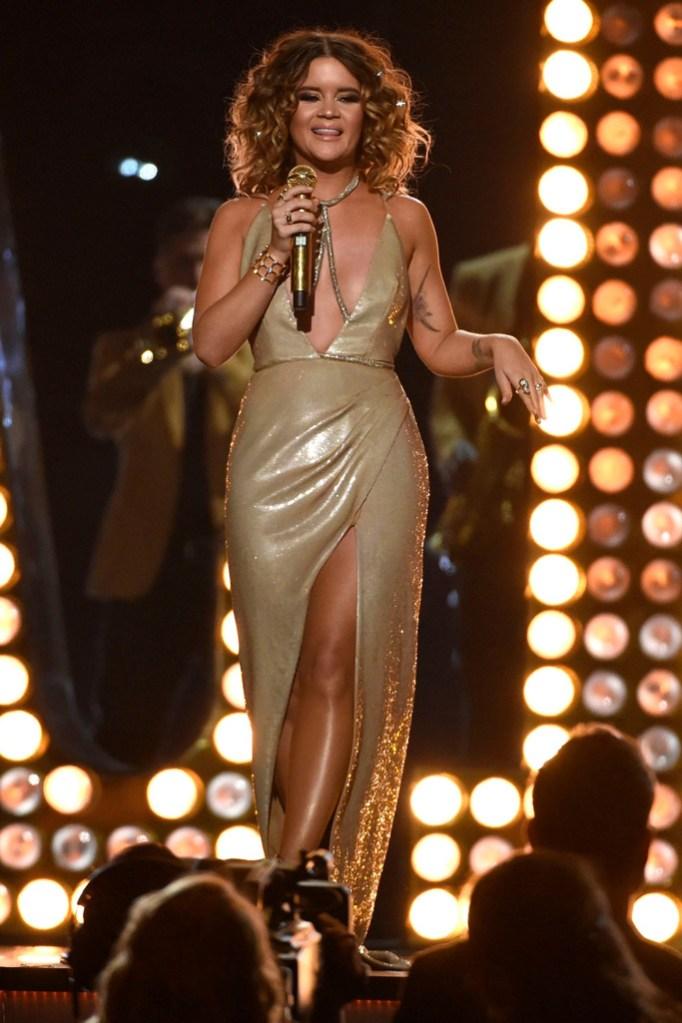 Maren Morriss Performance At ACM Awards 2018 — Sings
