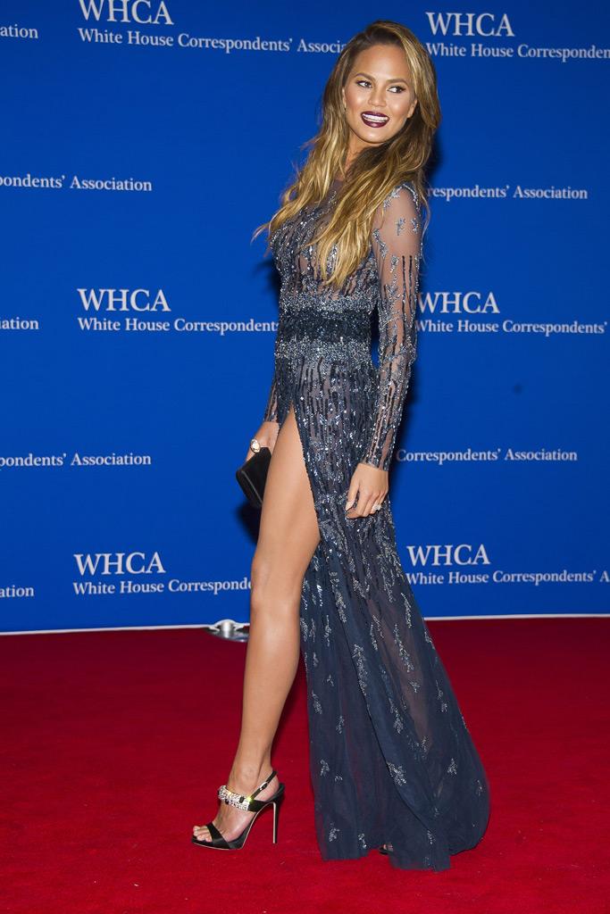 Chrissy Teigen, red carpet, dress