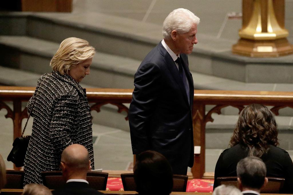 hillary , bill clinton, barbara bush funeral