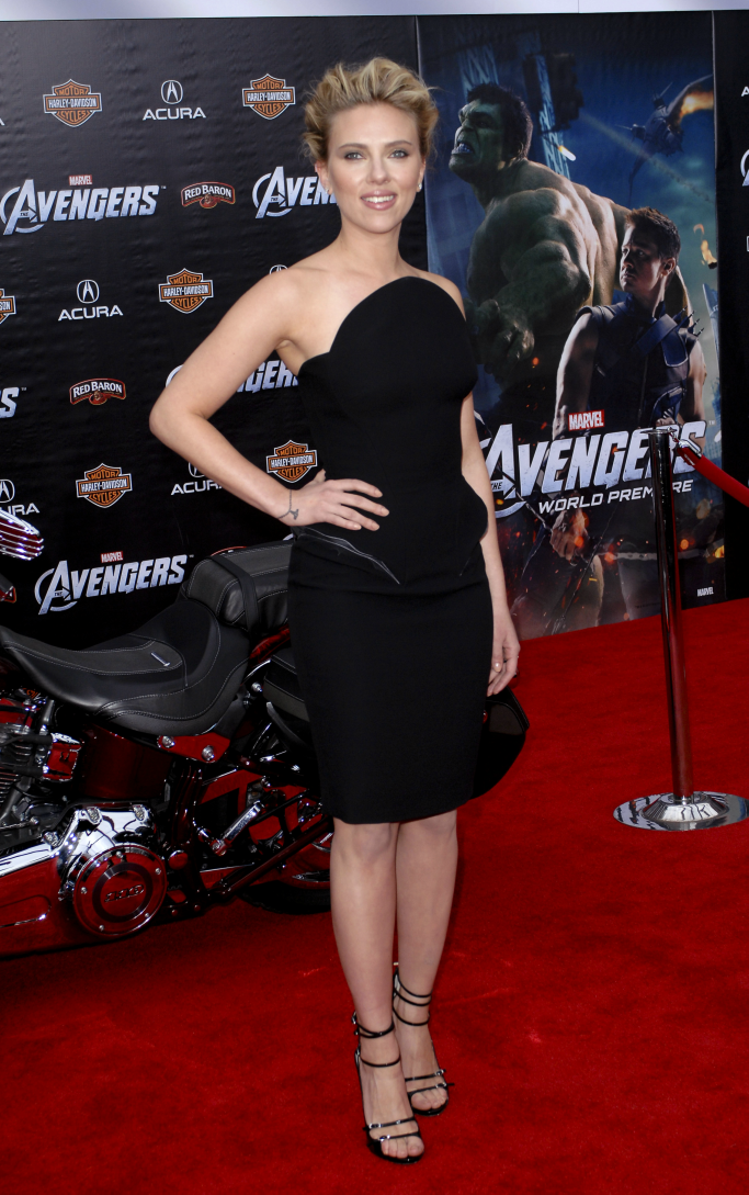 scarlett johansson, avengers, red carpet