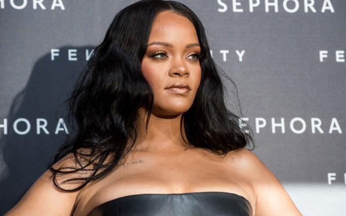 Rihanna, Fenty, Versace,