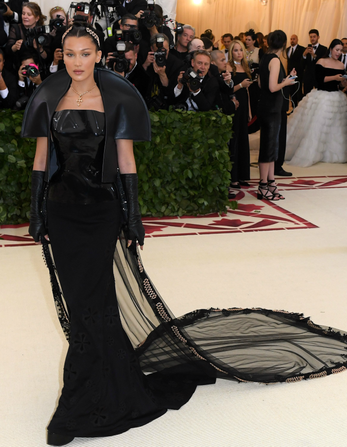 Bella Hadid, met gala style, red carpet