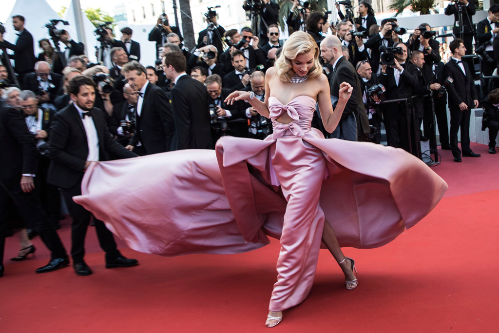 elsa hosk, alberta ferretti gown, red carpet, cannes film festival 2018
