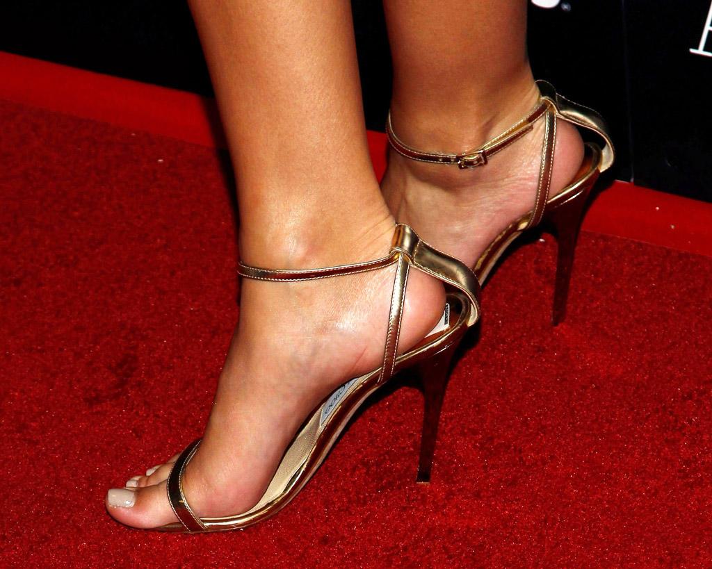 Emily Ratajkowski, gold jimmy choo sandals