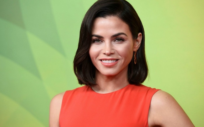 Jenna Dewan rocks red dress to red carpet event in Universal City, Calif.