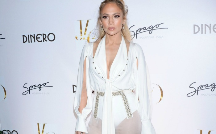 How Jennifer Lopez makes see-through white pants work.