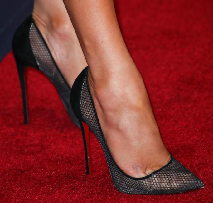 Jennifer Lopez shoe detail, christian louboutin