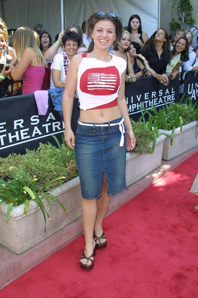 Kelly Clarkson 2002 Style