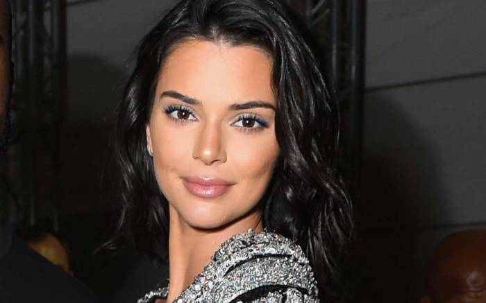 Kendall Jenner Nails the No-Pants Trend at Cannes & Recycles Her Favorite Pumps