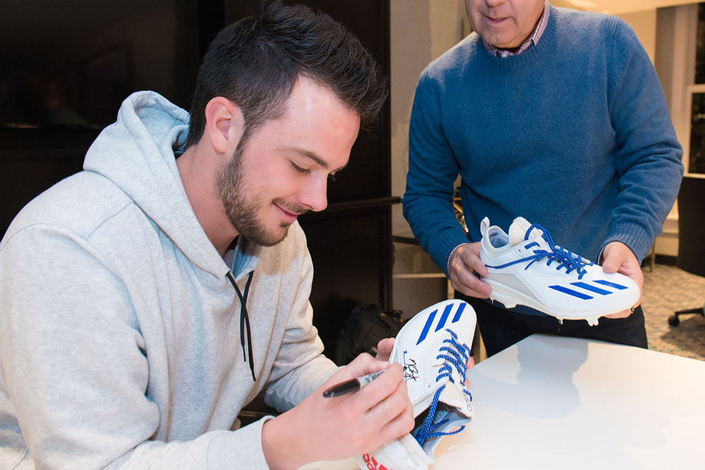 Kris Bryant Adidas cleats
