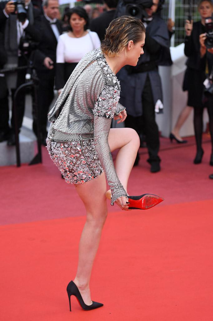 Kristen Stewart, barefoot, cannes