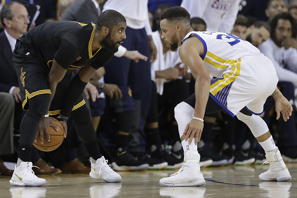 Kyrie Irving Nike Kyrie 3 Stephen Curry Under Armour Curry 4 2017 NBA Finals