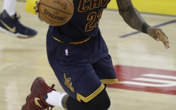 LeBron James On-Court Shoe Style