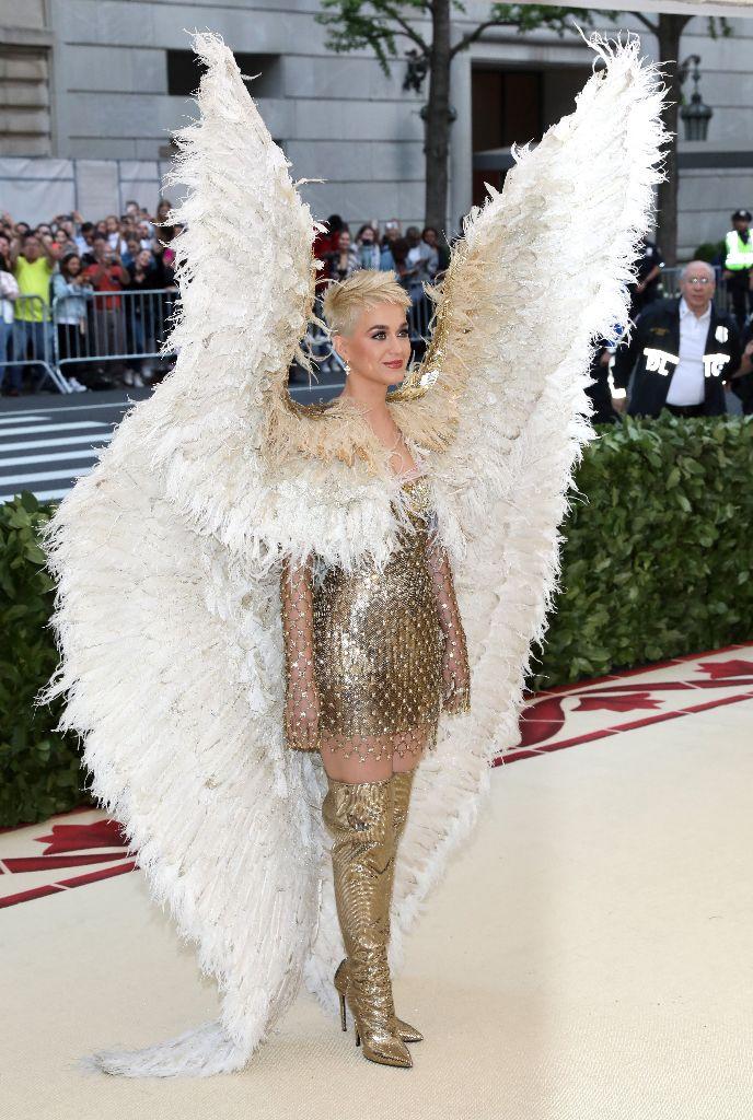 katy perry, wings, met gala, versace