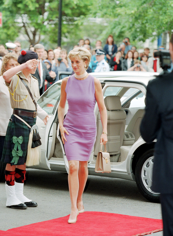 princess diana s shoe style through the years from the archives eurostars eureka news princess diana s shoe style through the