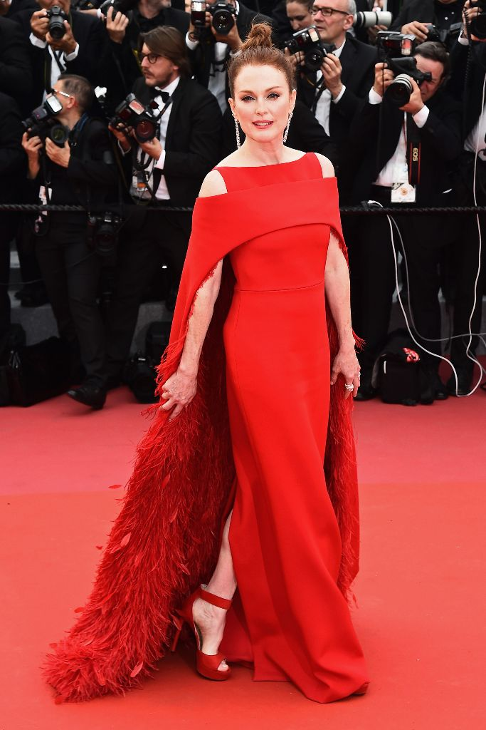 julianne moore, 2018 cannes film festival opening ceremony red carpet, givenchy