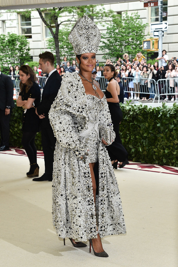 rihanna, met gala dress, fashion, style