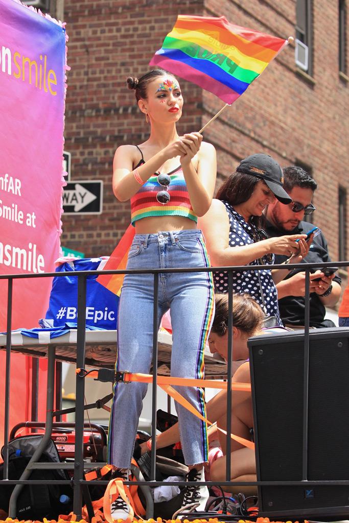 victoria justice, new york city pride parade, amazon, amfar float