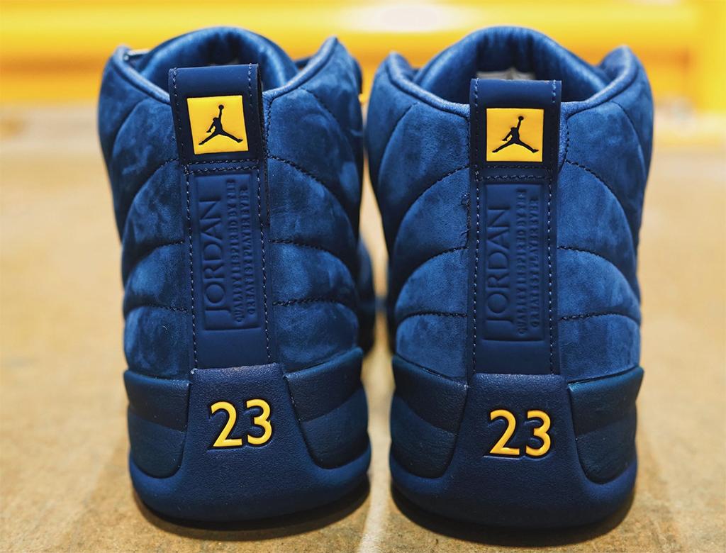 Air Jordan 12 Michigan