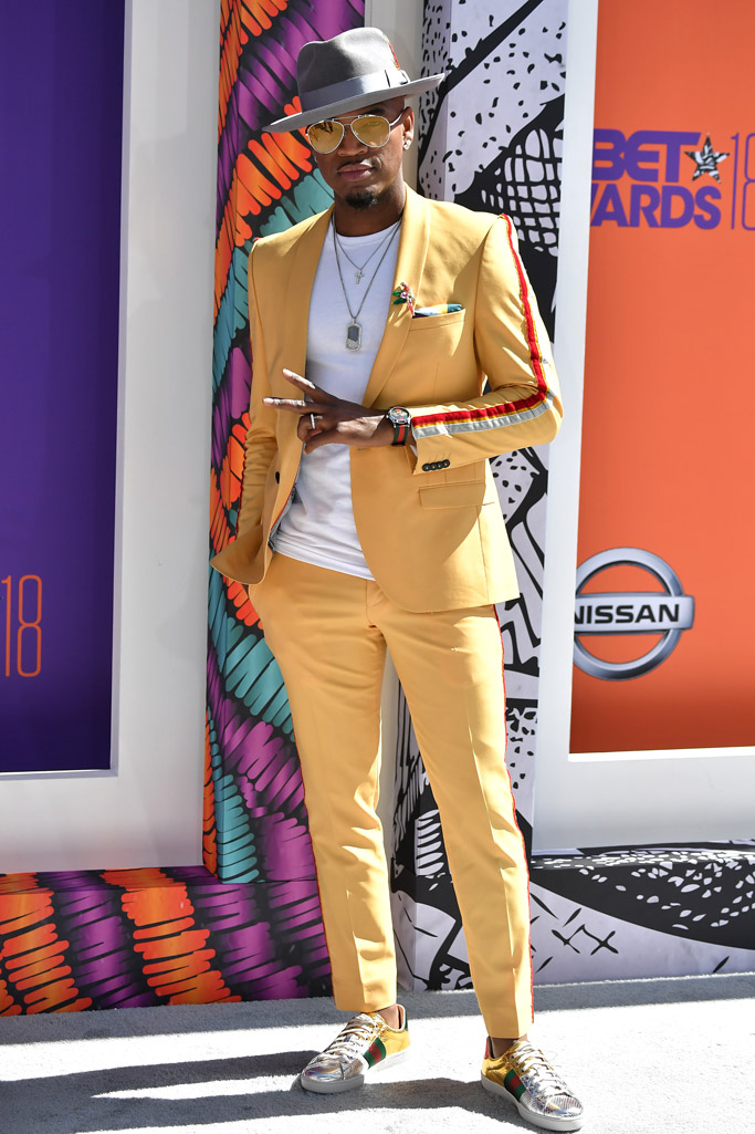 ne-yo, gucci, bet awards red carpet 2018