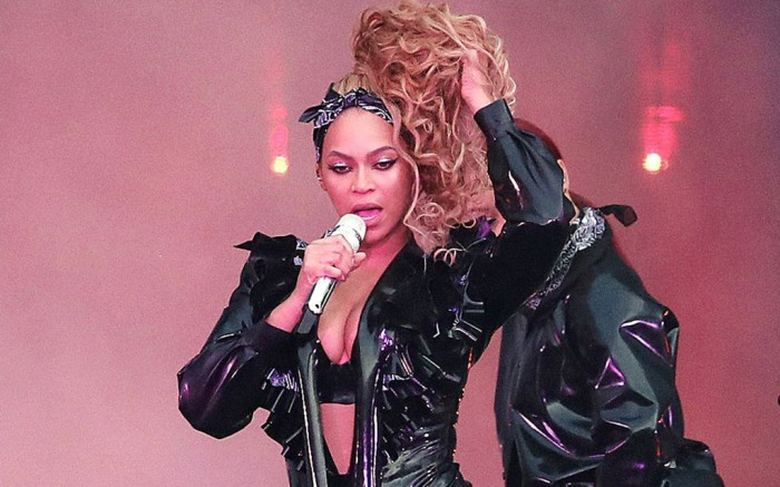 beyonce, on the run II tour, kenneth cole