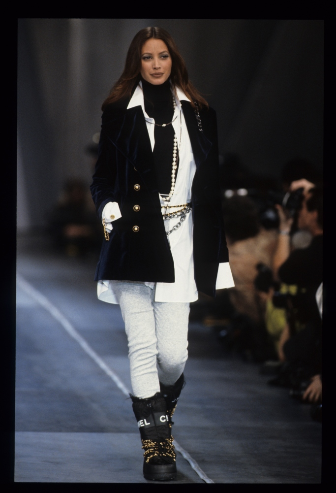 christy turlington, chanel fall 1993 boots, catwalk