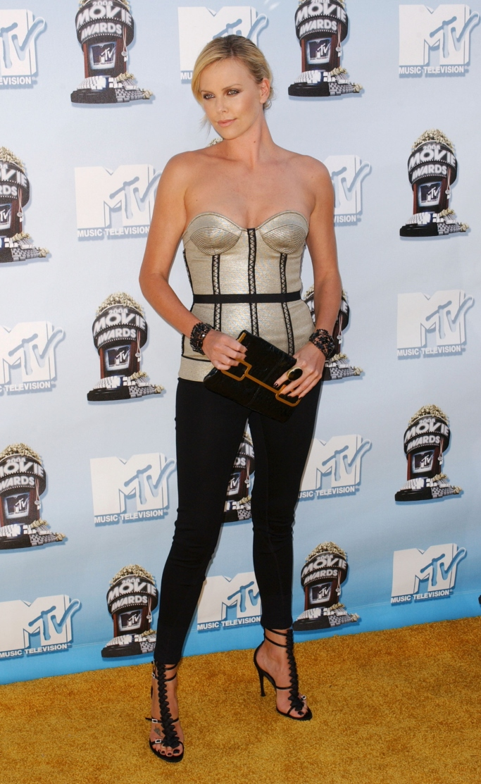 charlize theron, 2008 mtv movie awards red carpet