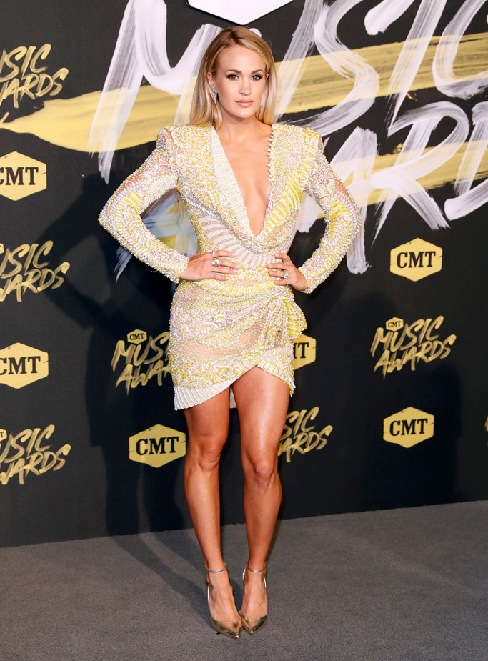 Carrie Underwood, cmt awards 2018 red carpet