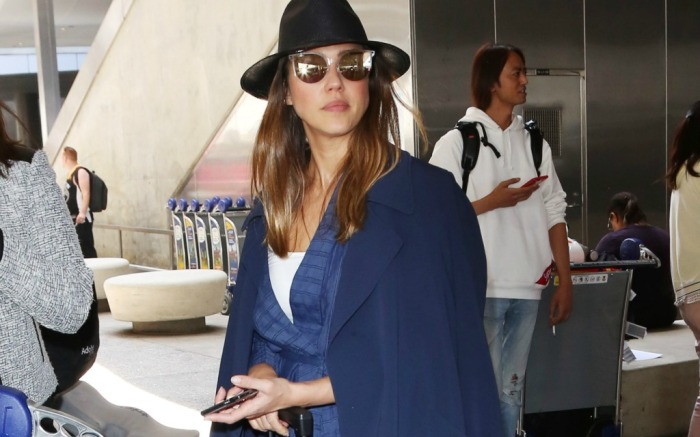 Jessica Alba wears comfortable look to the airport.