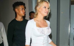 Pamela Anderson dines out at Craig's