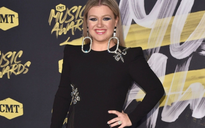 kelly clarkson (1)