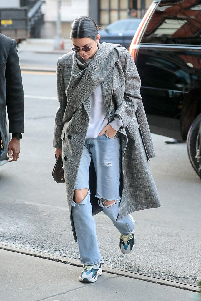 kendall jenner, dad shoes trend, dad sneakers
