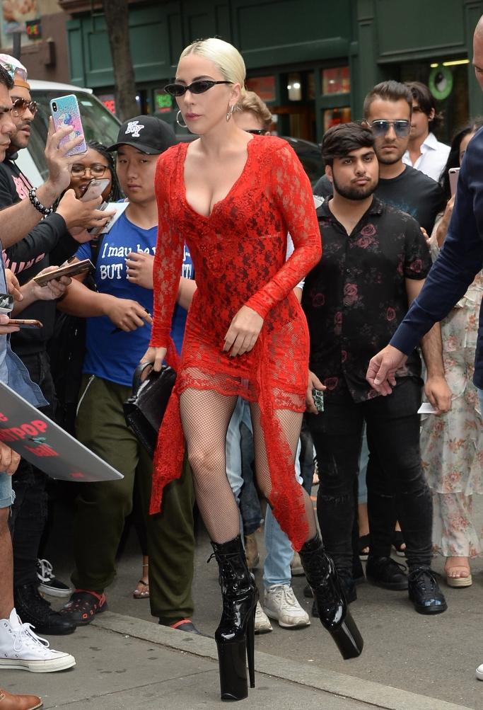 Christopher Kane stretch lace minidress, lady gaga, lady gaga platforms, lady gaga crazy shoe moments