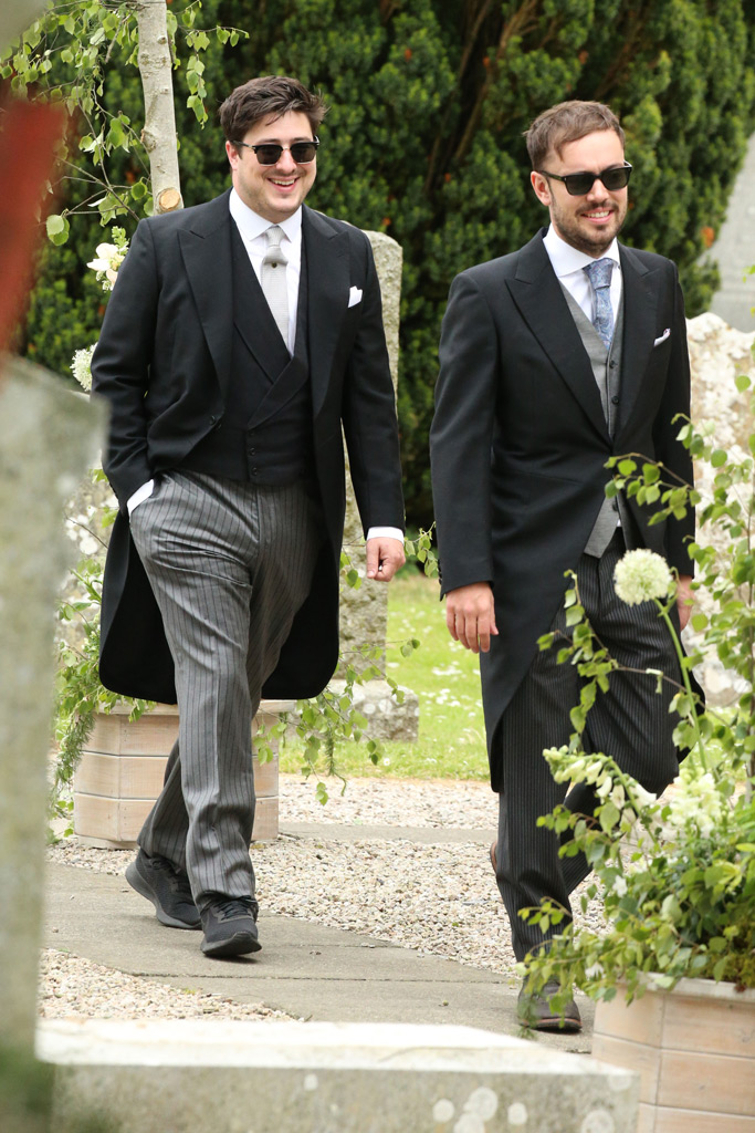 Marcus (L) and Nick Mumford, wedding, kit harington, rose leslie, marriage, scotland, church