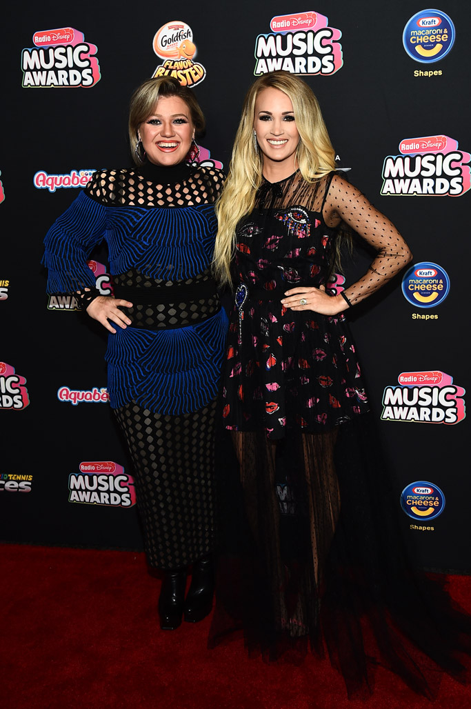 Carrie Underwood and kelly clarkson radio disney music awards 2018 red carpet