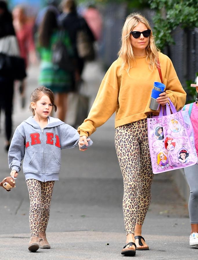 sienna miller, sienna miller daughter marlowe, leopard print leggings, birkenstocks