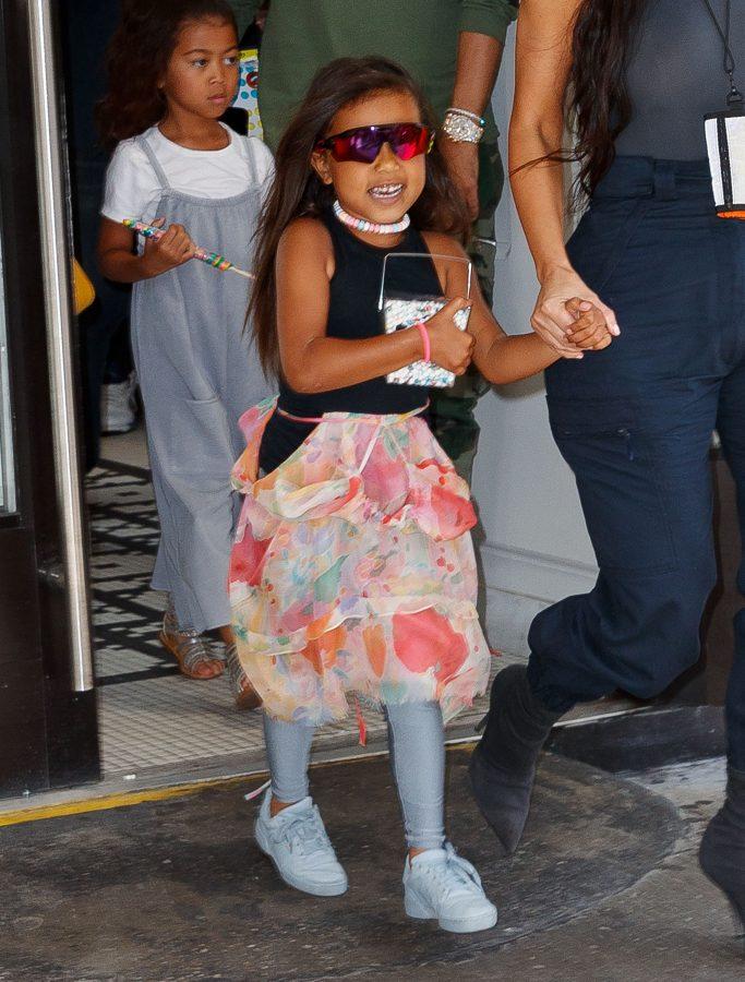 Kim Kardashian takes North West to 'It's Sugar' to celebrate her 5th birthday in New YorkPictured: Kim Kardashian,North WestRef: SPL5004032 150618 NON-EXCLUSIVEPicture by: Jackson Lee / SplashNews.comSplash News and PicturesLos Angeles: 310-821-2666New York: 212-619-2666London: 0207 644 7656Milan: +39 02 4399 8577photodesk@splashnews.comWorld Rights