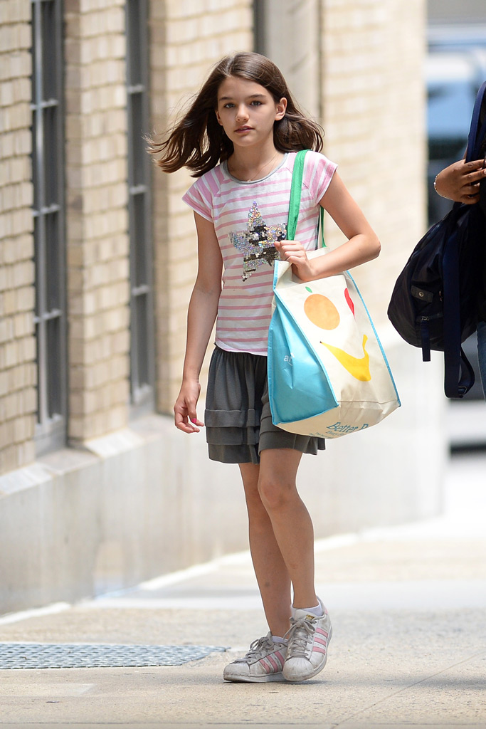suri cruise, new york, adidas superstar sneakers, nanny, tom cruise, katie holmes