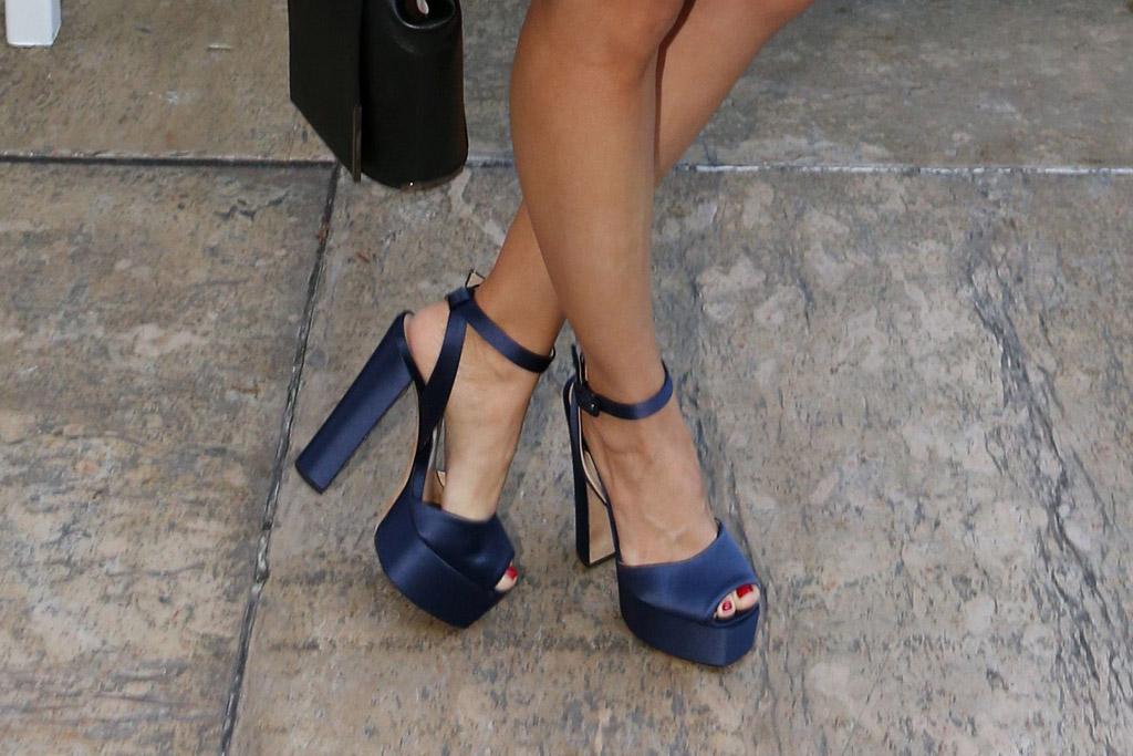 Alison Brie shoes, Giuseppe Zanotti heels