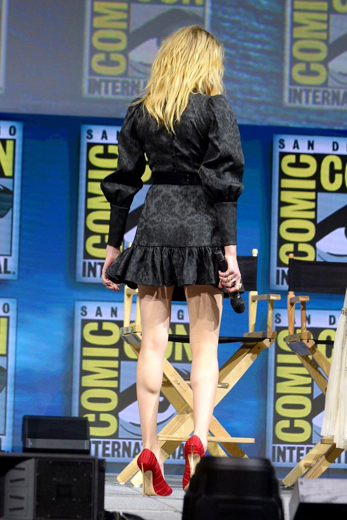 Amber Heard, Comic-Con, minidress, aquaman, little black dress, LBD, stiletto, red heels, legs