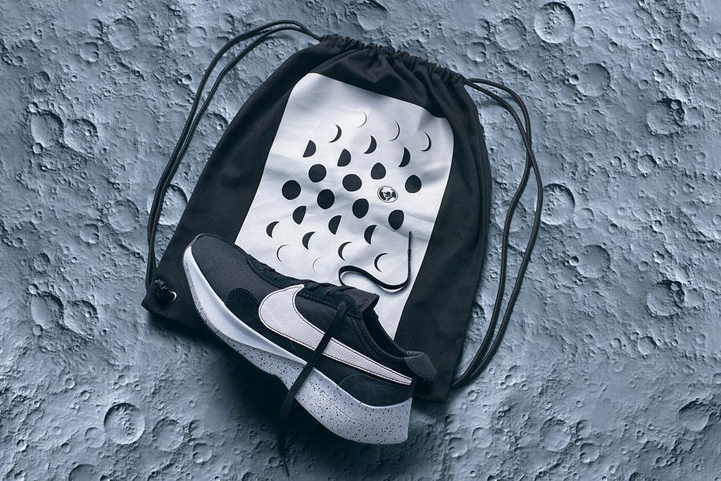 Nike Moon Racer Black