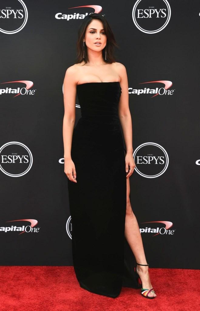 Eiza Gonzalez espy awards red carpet style