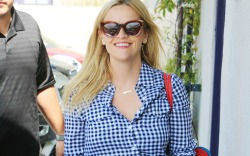 Reese Witherspoon is all smiles while